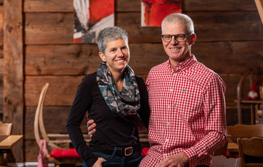 Carmen und Egon Hischier Betriebsleiterehepaar Bauernhof Wallis