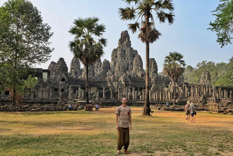 Der Ta Phrom Tempel nördlich von Angkor Wat - aufgrund meiner Verletzung konnte ich nicht hinauf oder rein...