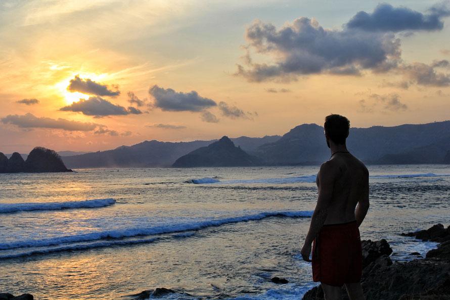 Der Mawi Beach westlich von Kuta in Lombok - wunderschöner Sonnenuntergang