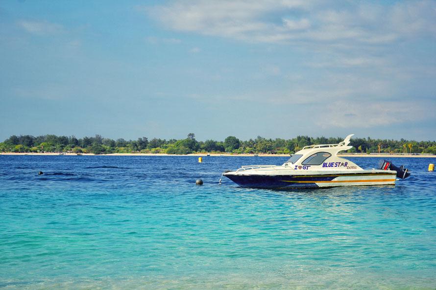 I love Gili T - türkises Wasser und wunderschöner Strand laden zum stundenlangen (Sonnen)baden ein