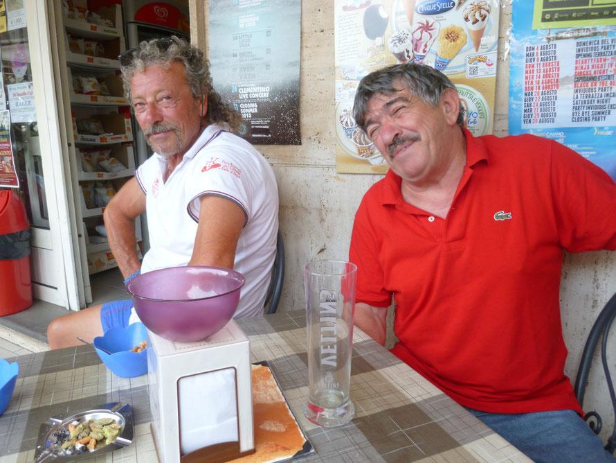 Einheimische Fischer als Bootsführer
