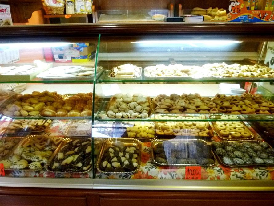 Pasticceria in Marina di Camerota - die Croissants sind lecker!