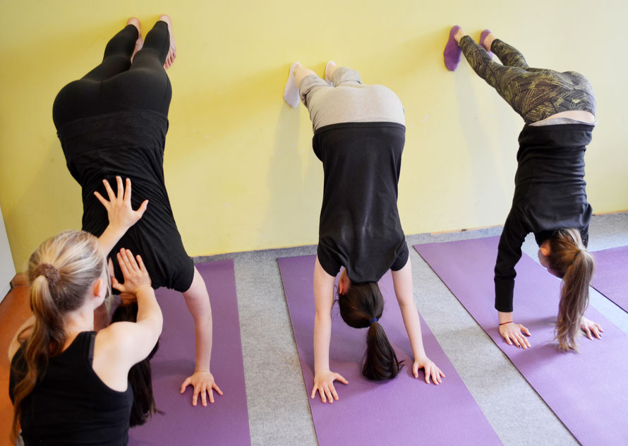 yoga f r jugendliche infinity sunlight yoga berlin. Black Bedroom Furniture Sets. Home Design Ideas