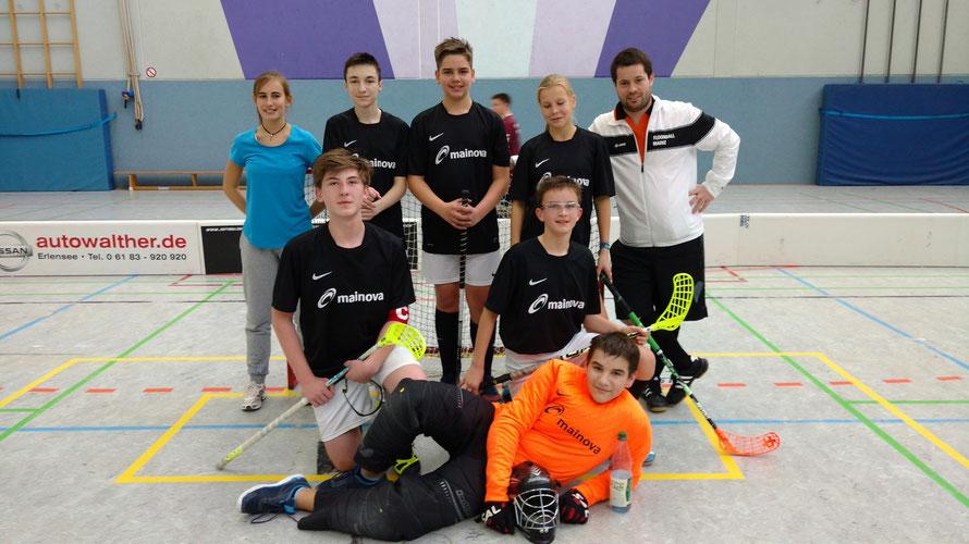 Die Mainzer Recken mit Trainer Gerrit und Co-Trainerin Alex