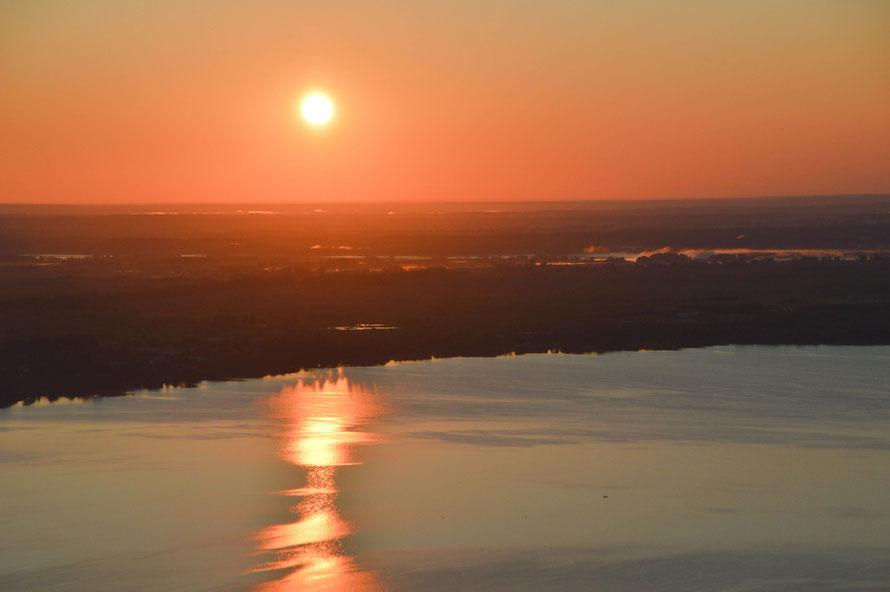 Sonnenaufgang in den Masuren, vom Heißluftballon aus fotografiert