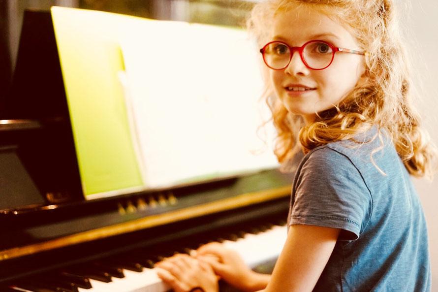 Klavierschülerin