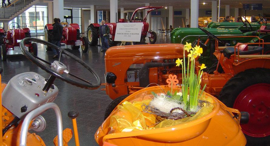 50 Jahre 1956-2006 Porsche-Diesel - Ausstellung in der Eingangshalle der Messe Friedrichshafen