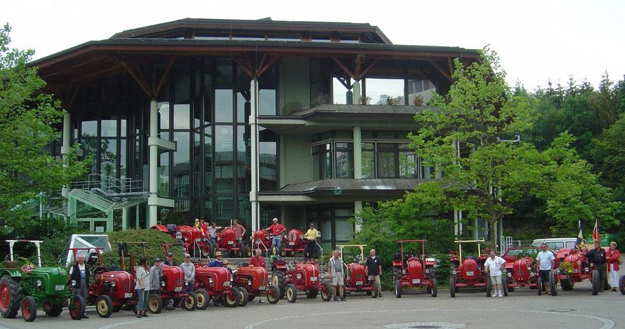 Treffen 2004 auf dem Porsche Werksgelände im Entwicklungs-Zentrum Weissach