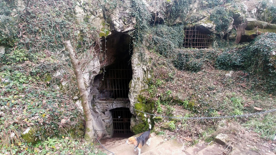 Socerb - The cave of the Holy. Here an Holy lived for years. This cave has 2 level: 1 humid and 1 dry.