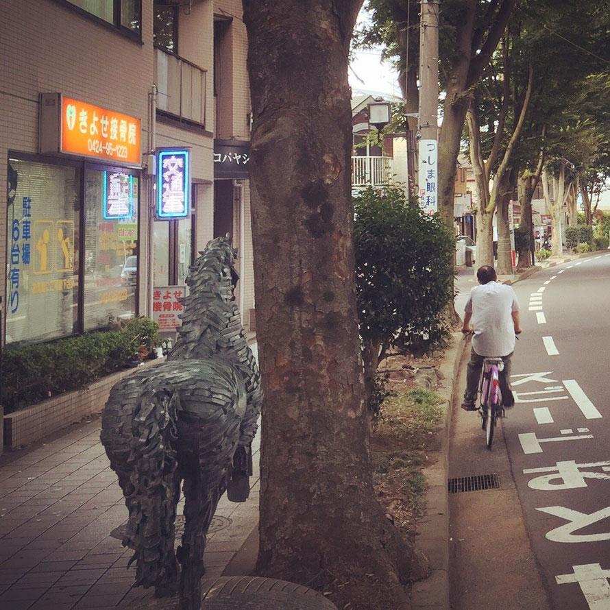 Sculpture at Zelkova Street Gallery Tokyo Kiyose art museum tourist spot TAMA Tourism Promotion - Visit Tama ケヤキロードギャラリーの彫刻 けやき通り 東京都清瀬市 アート 美術 観光スポット 多摩観光振興会