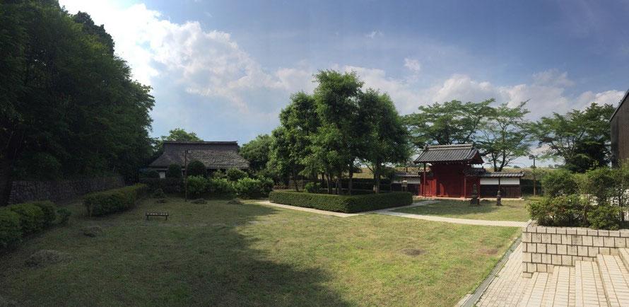 Panorama view of Old Shimoda Family House and Red Lane Tokyo Hamura historic tourist spot 旧下田家住宅 赤門 国指定重要有形民俗文化財 東京都羽村市 羽村市郷土博物館 歴史 観光 スポット