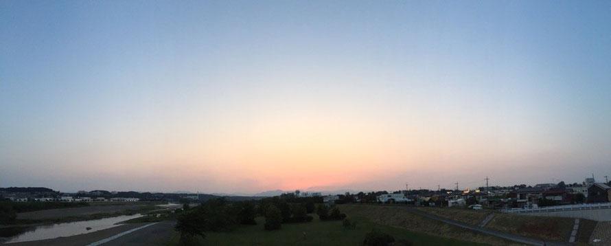 Sunset panorama view from Tama Ohashi Bridge Tokyo Akishima Tama River walking tourist spot TAMA Tourism Promotion - Visit Tama 多摩大橋からのサンセット パノラマ画像 東京都昭島市 多摩川 夕日 散策 観光スポット 多摩観光振興会