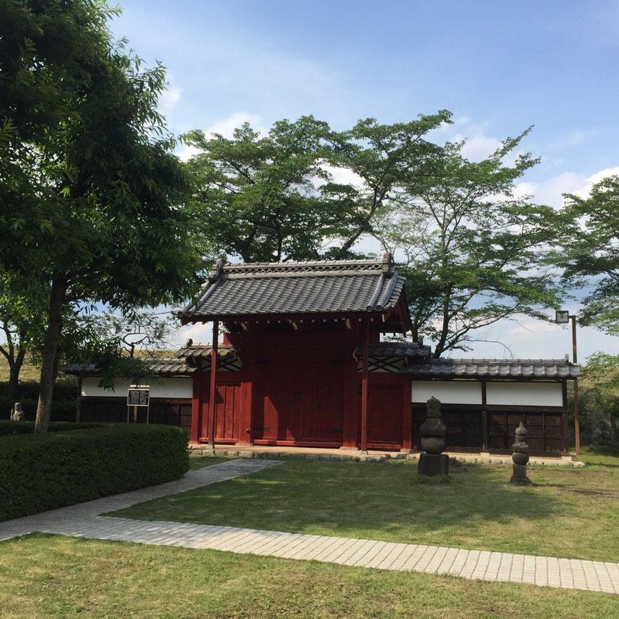 Red Lane at Hamura city Folk Museum Tokyo Hamura historic tourist spot 赤門 羽村市郷土博物館内 東京都羽村市 歴史 観光 スポット