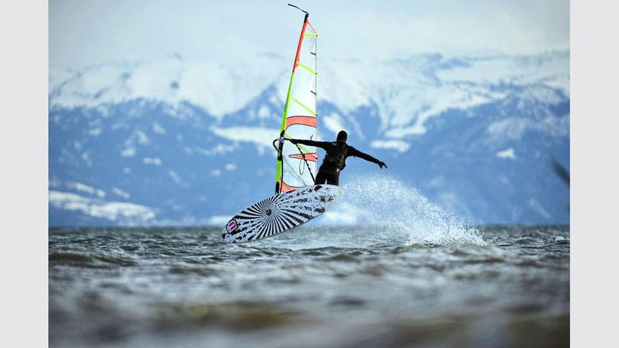 Windsurfen im Winter am Bodensee
