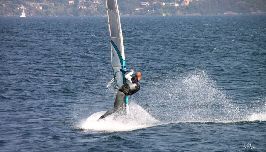 Windsurfing at Lake Como / Italy
