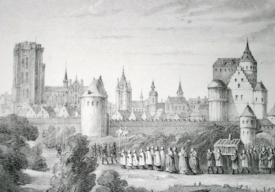 Zicht op de stad met de St. St. Romboutstoren in opbouw.