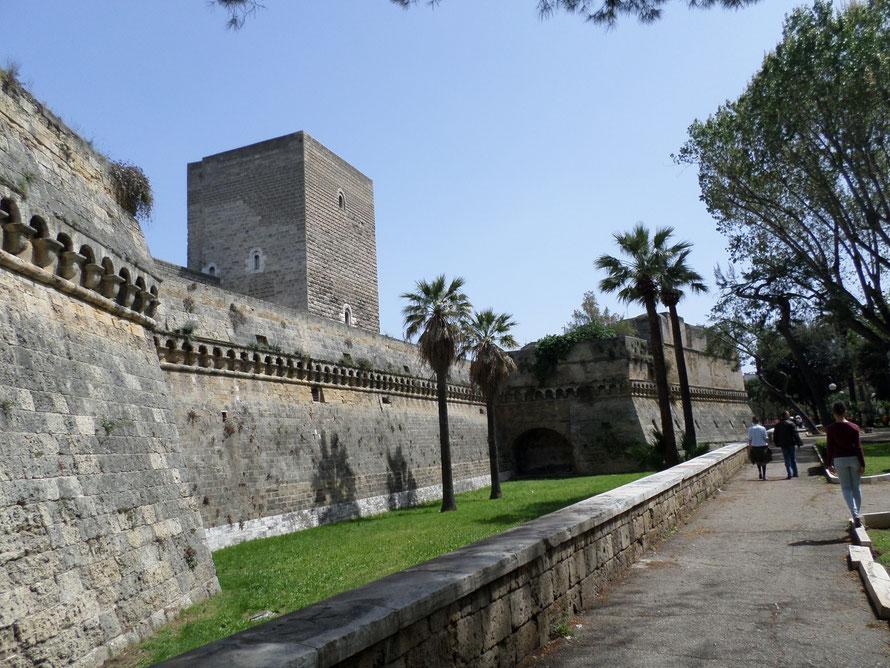 Castelo Svevo du XII siècle