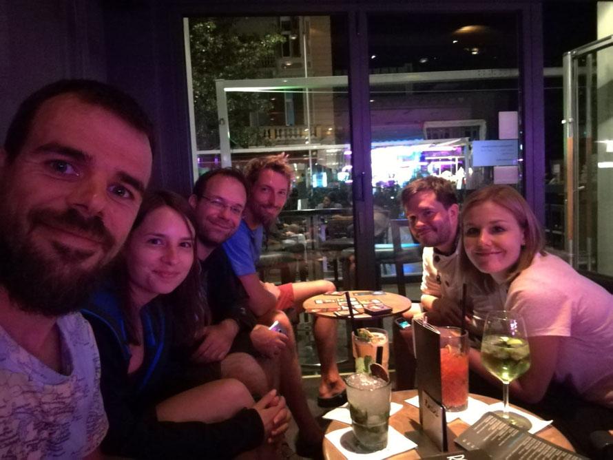 Die E5-Party-Crew beim Feiern in Meran (v. l. n. r.): René, Elisa, meine Wenigkeit, Philipp, Dominik und Janina