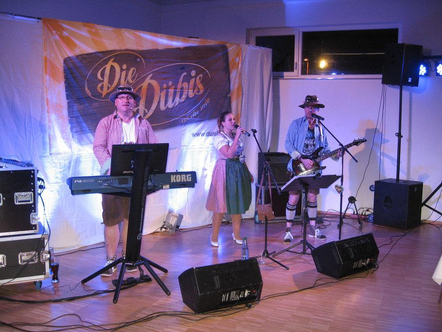 Die Dübis mit Sängerin ANNE beim Firmen-Oktoberfest
