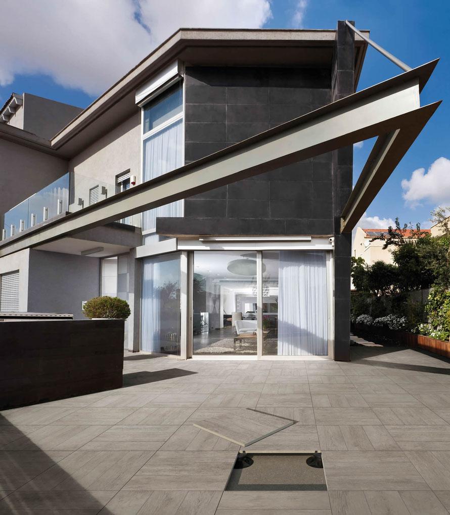 Casa moderna roma italy pavimenti per esterni effetto legno for Pavimenti per casa moderna