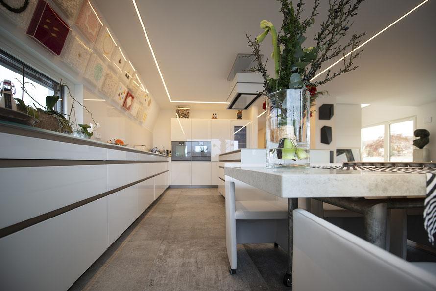 Fliesenlegerfachbetrieb Fliesenfachgeschäft Matthias Raisch - Edles Penthouse in Stuttgart - Tradition trifft Innovation mit edlem Feinsteinzeug von Raisch.