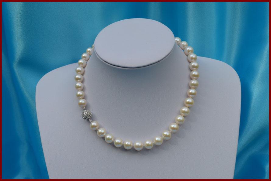 Collier de perles rondes blanches de 9/10 mm