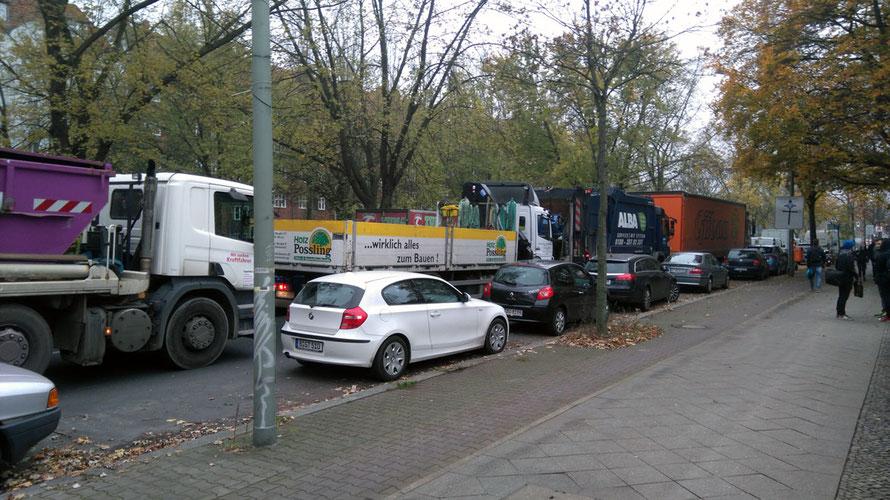 Osloer Straße früh morgens ... - bereits auf den Hauptstraßen Stress pur!