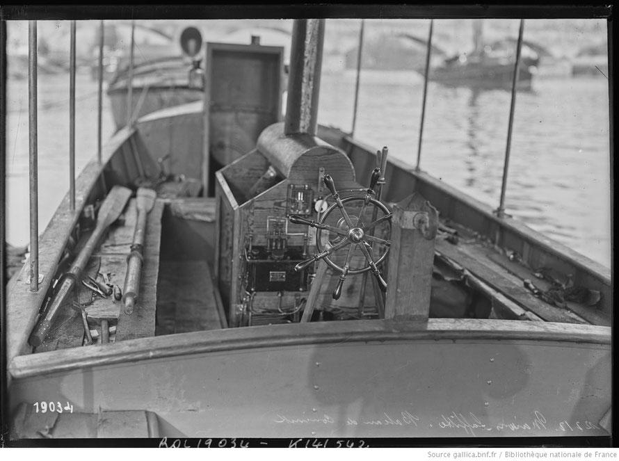 Bateau du chantier nava lDe Coninck à Maisons-Laffitte