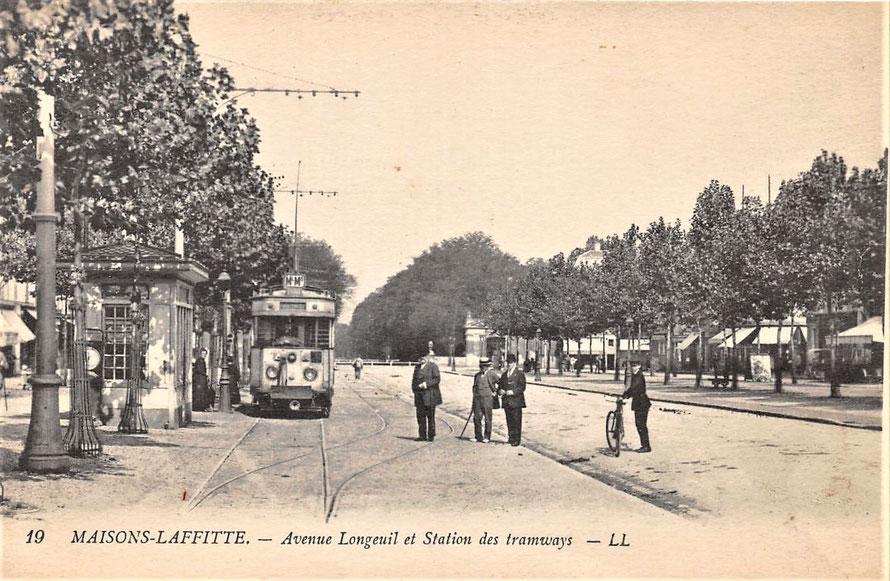 Maisons-Laffitte, avenue de Longueil, le tarmway