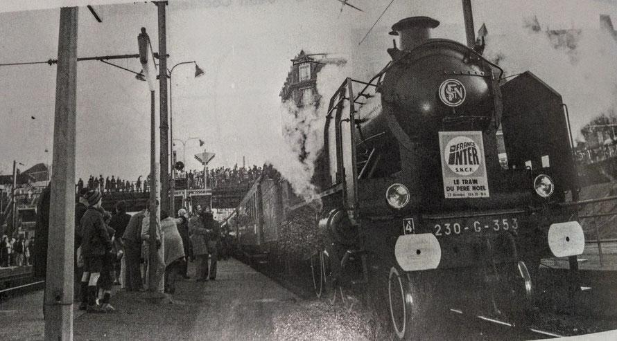 gare de maisons-laffitte avec une locomotive à vapeur