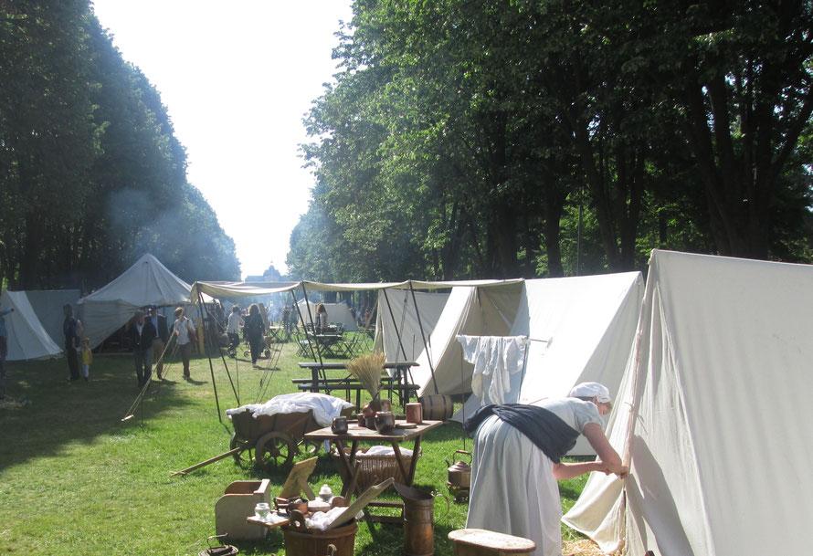 Bivouac de la grande armée dans le parc du chateau de maisons-laffitte