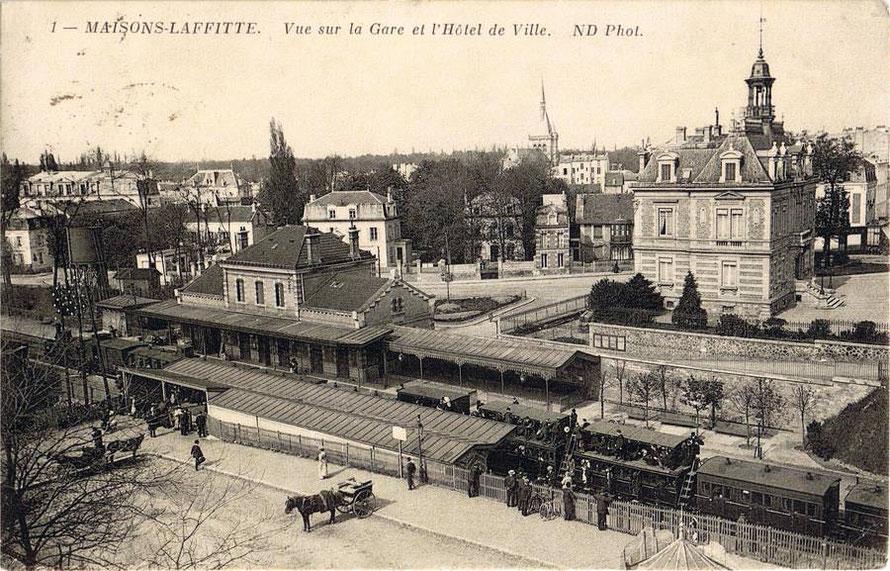 Train à impériale qui assurait la désserte du champ de course, en gare de Maisons-Laffitte