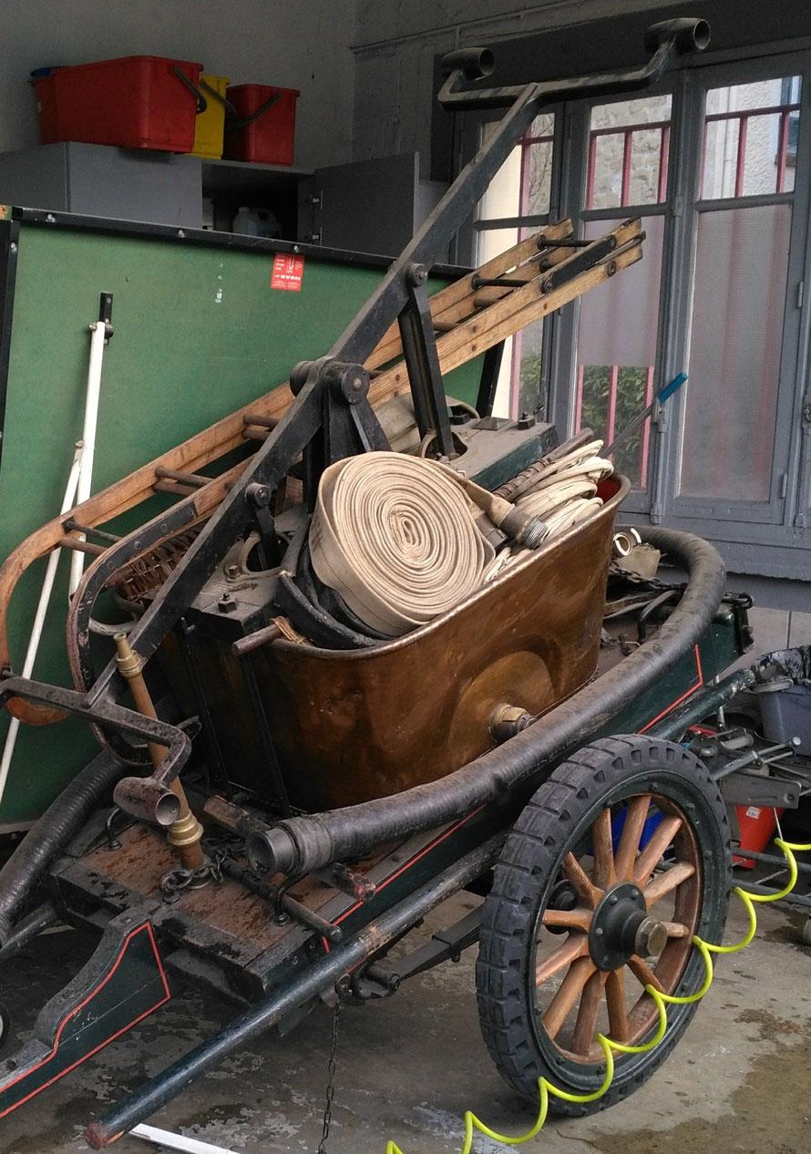 Pompe à bras des pompiers de Maisons-Laffitte
