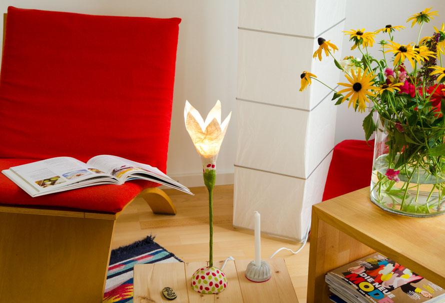 blumenlampen papierlampen und mehr alleswasleuchtet kreative lampen aus papier. Black Bedroom Furniture Sets. Home Design Ideas