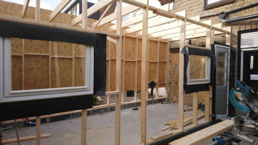 houtskeletbouw aanbouw in wording