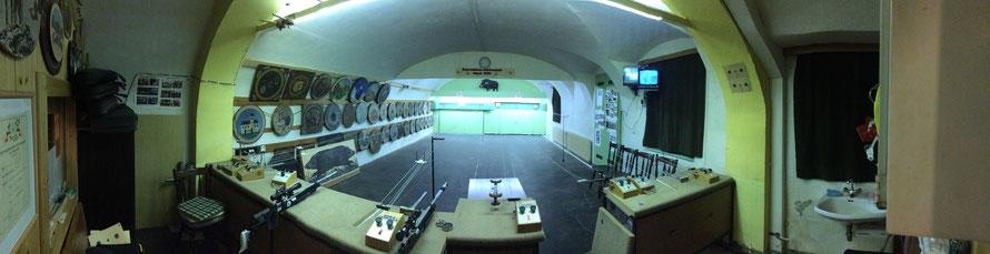 Der Schießstand in Feldkirchen verfügt über 2 Laufende Scheibe Anlagen bzw. 6 Ständen für Luftgewehr und Luftpistole.