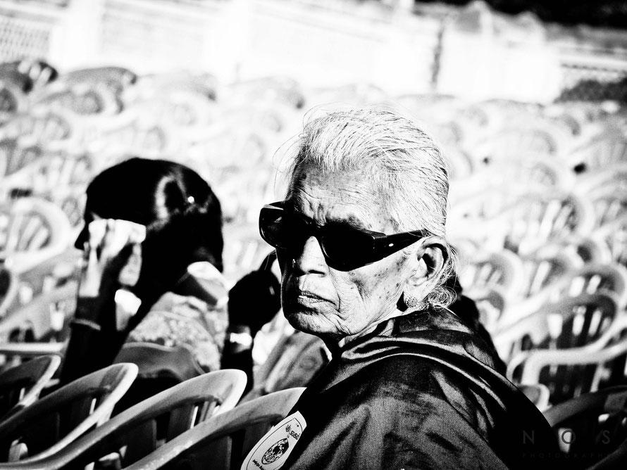Inderin mit Brille, Indien