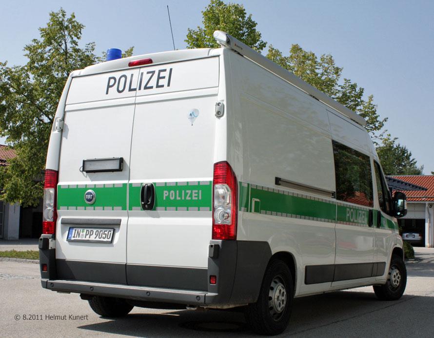 Auf der rechten hinteren Tür befindet sich noch der Aufkleber für die Olympiabewerbung Münchens