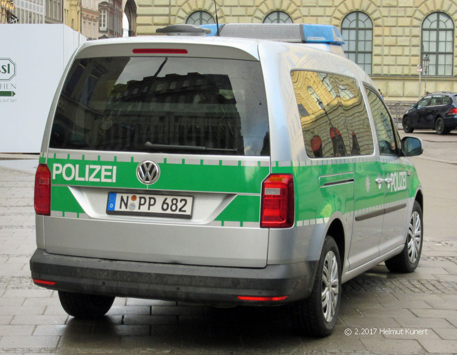 Diensthundeführer zu Gast in München.