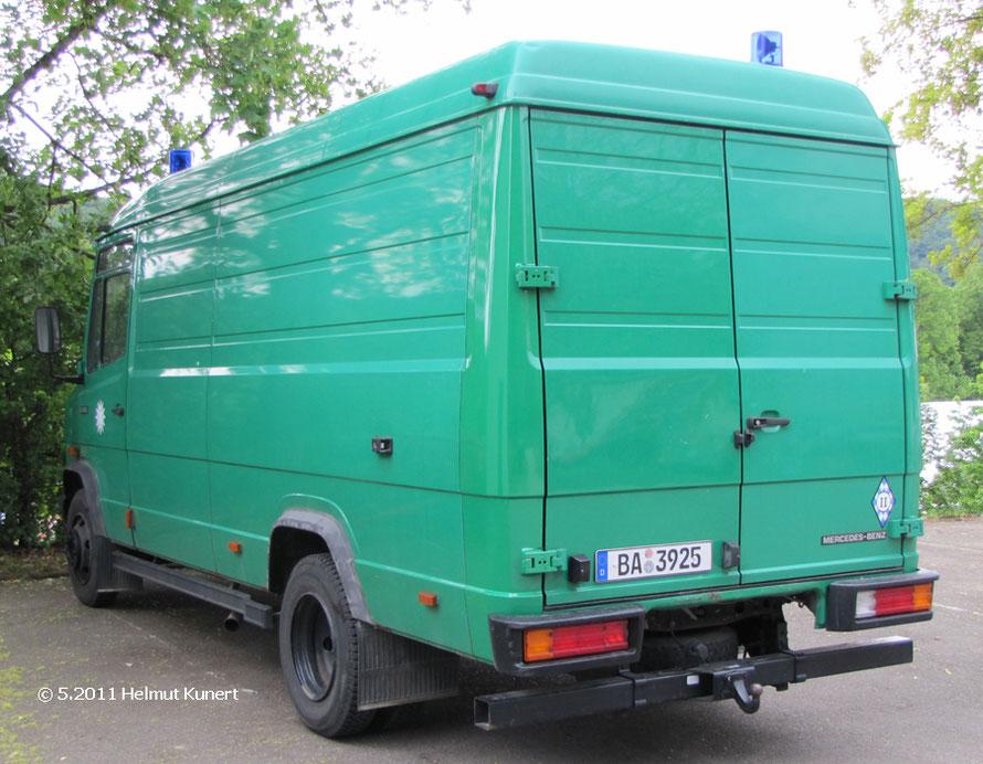 2011 ist aus dem Kennzeichen von München, Bamberg geworden und der Kastenwagen hat eine Anhängekupplung erhalten.