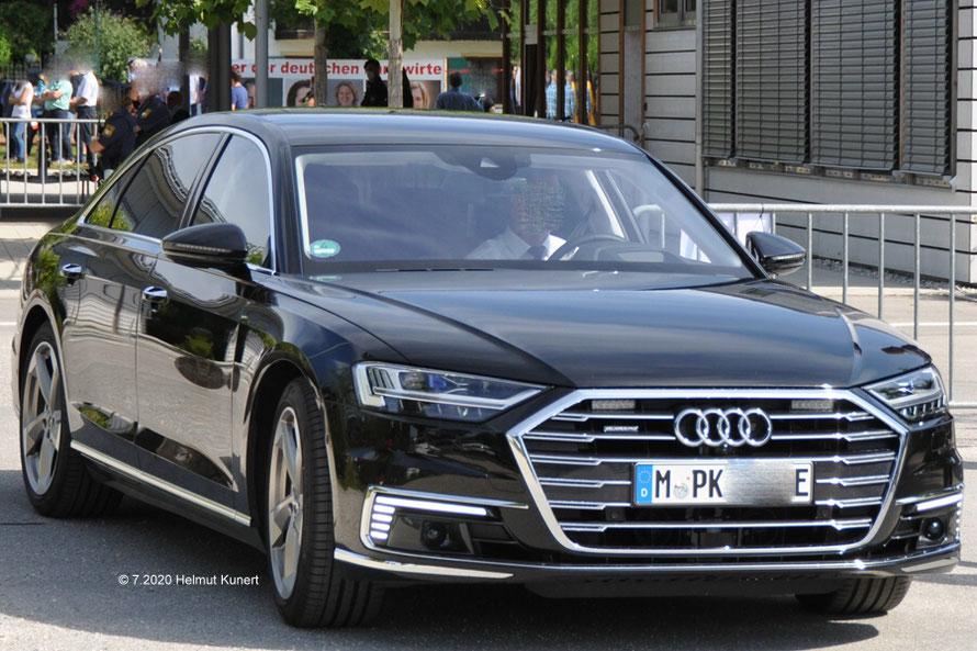 E-Audi mit Straßenräumern!