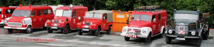 Ein Großteil des eigenen motorisierten Fuhrparks der Oldtimergruppe TLF 4000.