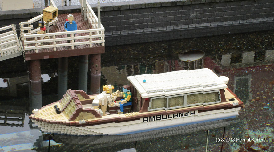 Menschenrettung per Boot in Venedig
