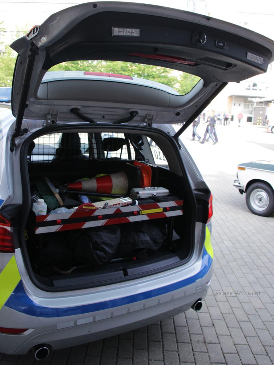 Kofferraumeinteilung eines baugleichen Fahrzeugs