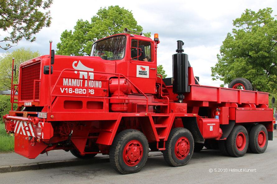 Rot aber nicht Feuerwehr nur Oldtimer