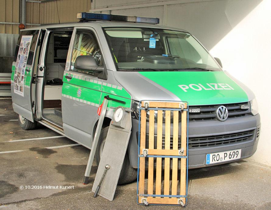Kontrollstellenfahrzeug auf VW T5