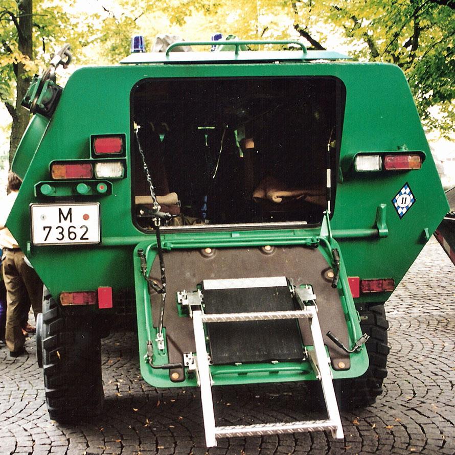 Hier ein Scan von einem Foto bei dem der SW 4 noch das Kfz.-Kennzeichen von München hat.
