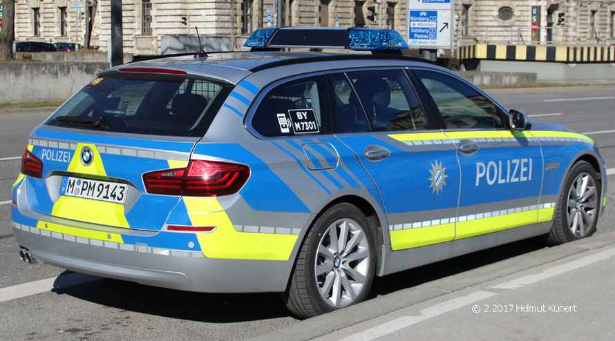 Blau war noch nicht die Hauptfarbe der bay. Polizeiautos.