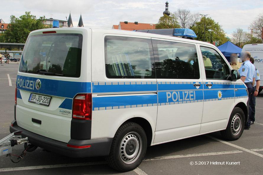 Bundespolizei mit VW T6.