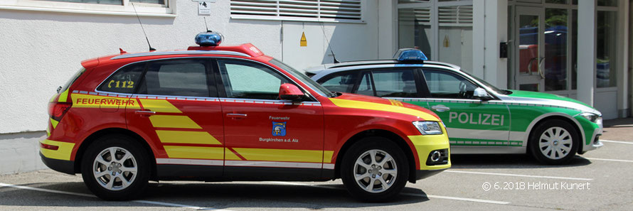 Polizei und die örtliche Feuerwehr aus Burgkirchen an der Alz stellen auch aus.